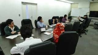 座談会写真2.JPG